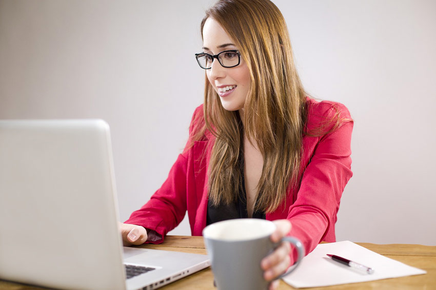 business woman blogging